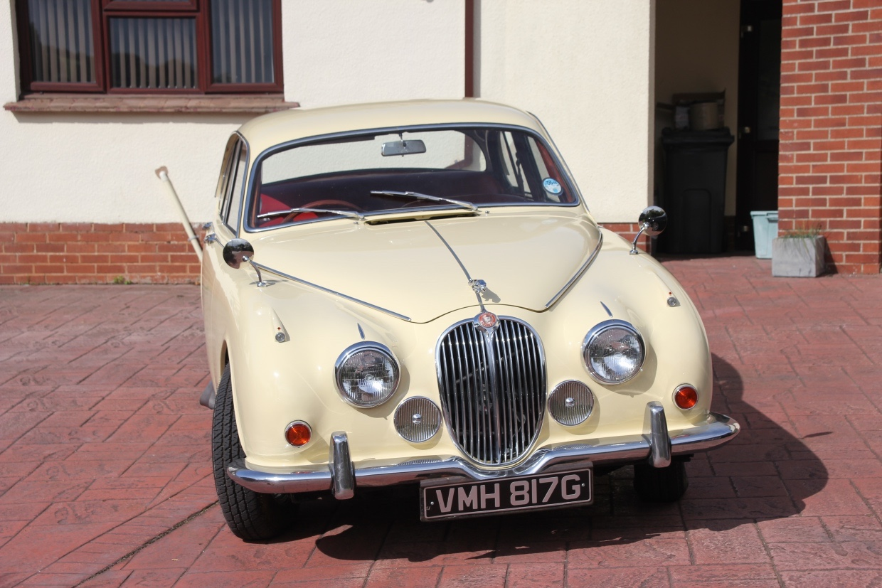 Competition for whats missing from pictures Mk2 Jaguar 340