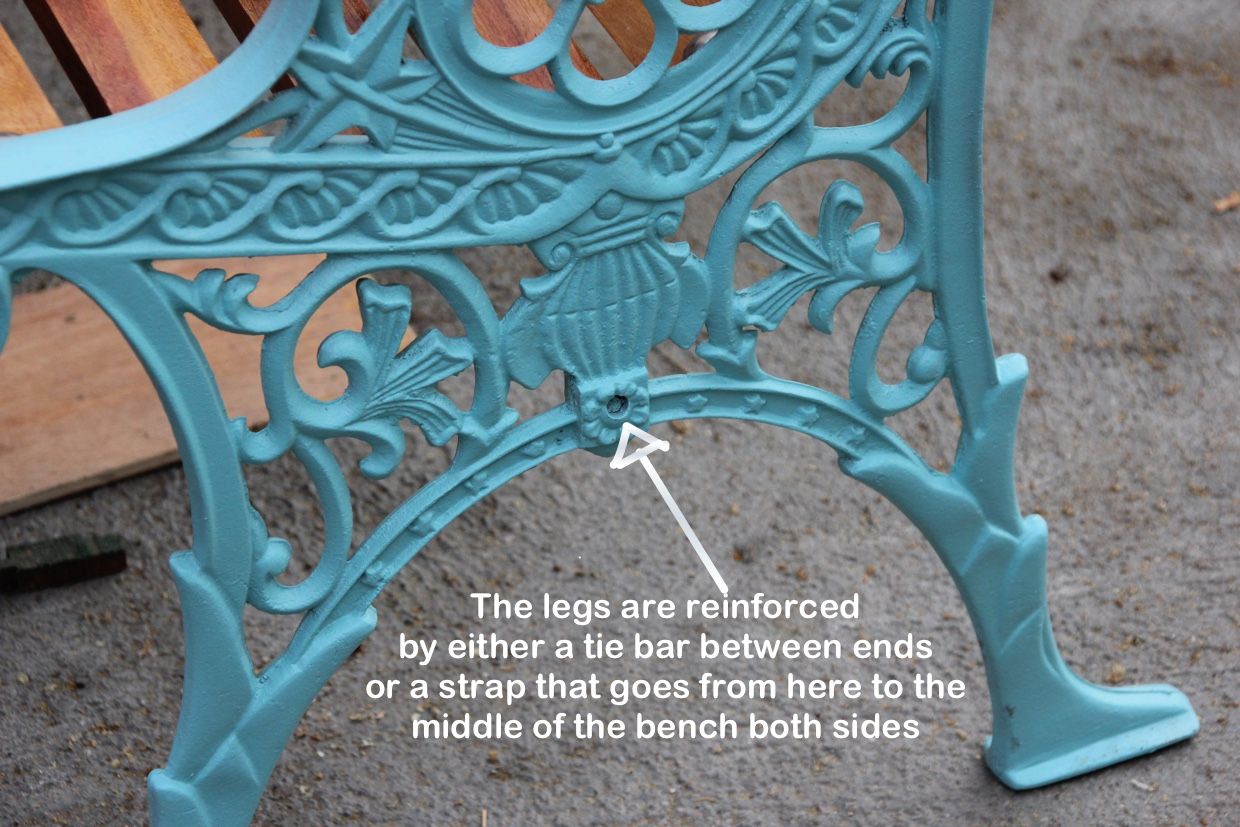 Refurbishment of cast iron garden bench. How to restore a cast iron bench by new wood and painting
